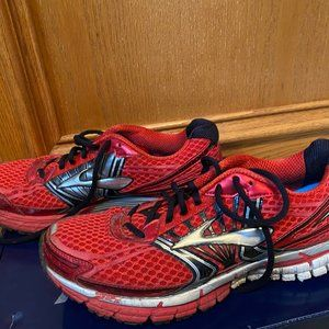 Brooks Adrenaline GTS 14 Red Running Shoes Size 10